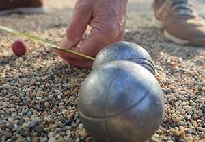 Beim Messen des Abstandes von Kugel zu Zielkugel